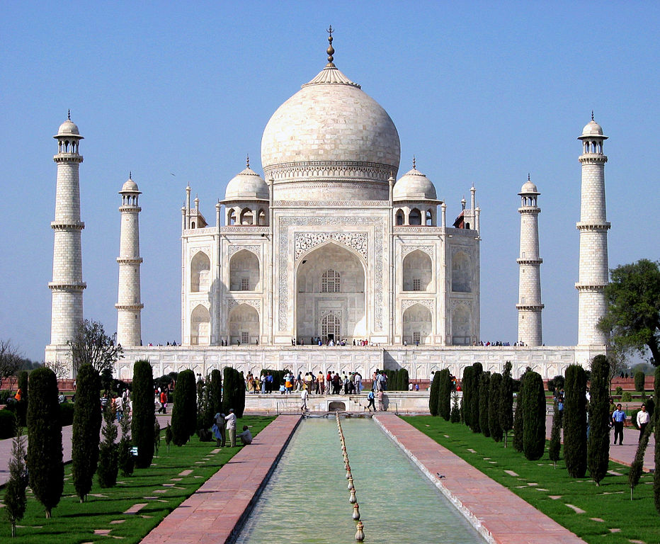 Taj Mahal – The Mughal Monument of Love