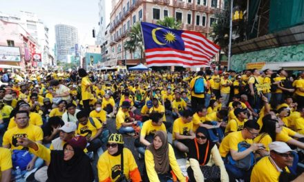 Thousands march in 'Bersih' protests calling for Malaysian PM Najib Razak to step down