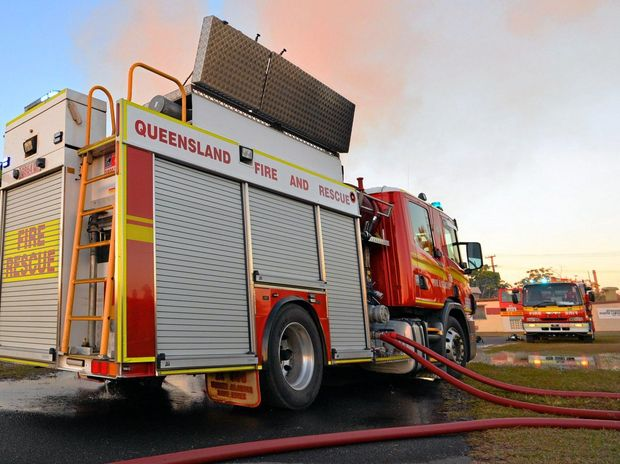 Firefighters battle bushfire at Elimbah
