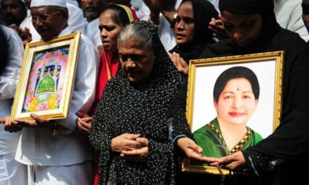 India's Jayaram Jayalalitha suffers heart attack