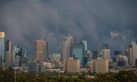 Strong winds, storms, rain forecast for Melbourne