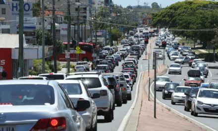 Paramedics called to four traffic crashes on Gold Coast in space of 20 minutes