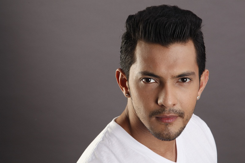 Aditya Narayan arrested by Versova Police for rash driving, injuring two