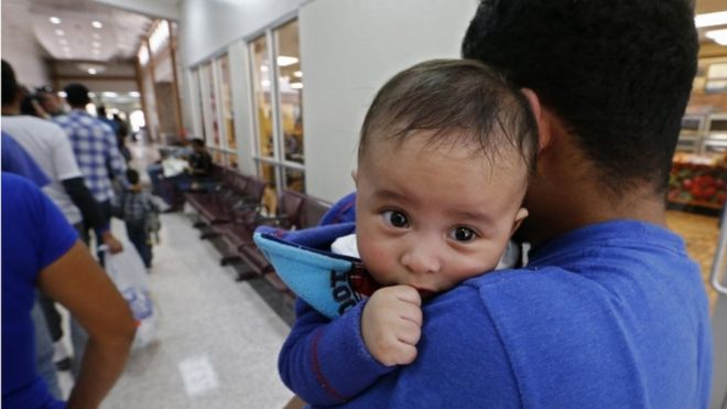Migrant separations: Toddlers facing court cases alone