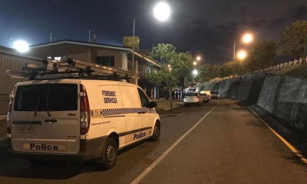 Man killed after being stabbed in the neck at Rocklea