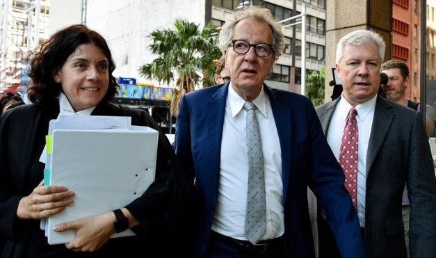 Geoffrey Rush: Actor gives emotional evidence in 'groping' story case