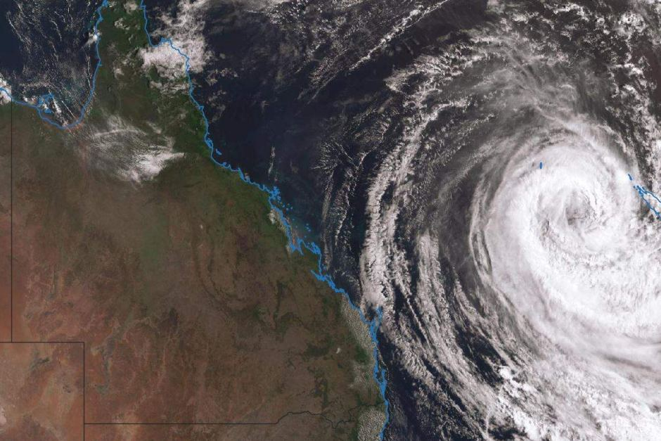 Tropical Cyclone Oma could cross the southern Queensland coast, BOM says