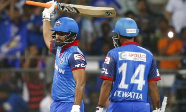 IPL 2019 MI vs DC: Rishabh Puts on PANT-astic Show to wow Wankhede Crowd with blistering knock