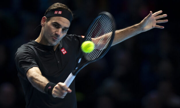 Federer Ousts Djokovic To Reach Semis At ATP Finals
