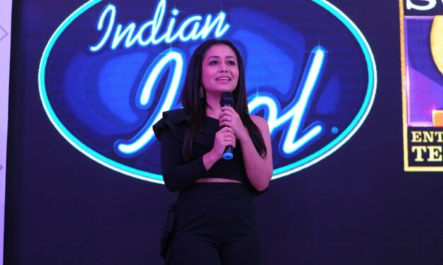 Neha Kakkar Gifts Rs 2 Lakh To firefighter On Indian Idol