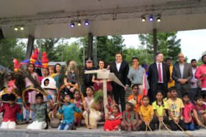 On stage with kids - Ms Charis Mullen MP, Peter Russo MP Toohey, Milton Dick MP, Senator Paul Scarr, Cr Angela Owen, Hon Consul (India) Mrs Archana Singh, Mr Umesha Chandra, among others