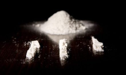 Australia drugs: Backpackers in hospital after snorting white powder