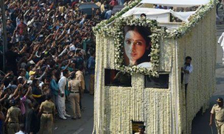Sridevi Kapoor: India crowds say goodbye to Bollywood star
